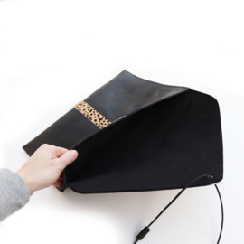 Laptophoes  zwart- cheetah | envelop stijl