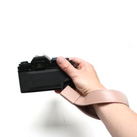 Leren camera polsband nude pink