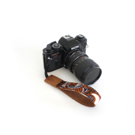 Leren camera polsband Batik