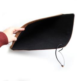 Laptophoes  croco bruin - cheetah | envelop stijl