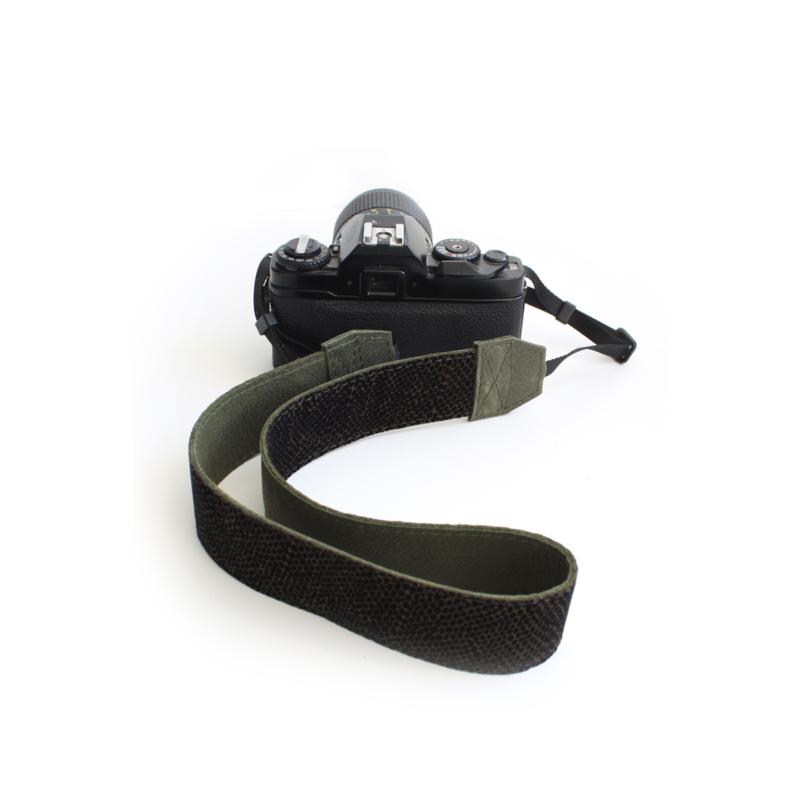 Leren camerariem mini dots - leger groen