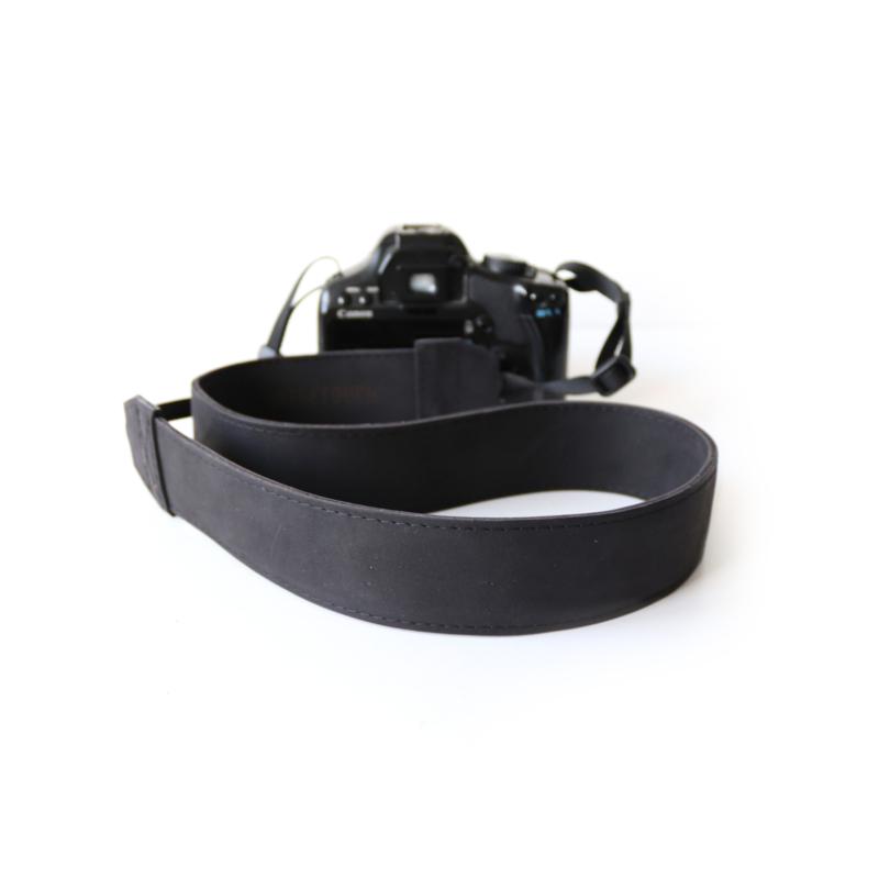 Lederen camerariem -  mat zwart