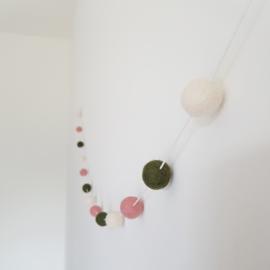 Slinger viltballetjes | Mosgroen-roze