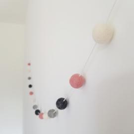 Slinger viltballetjes | Grijs-roze