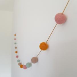 Slinger viltballetjes | Okergeel-roze-mint-beige