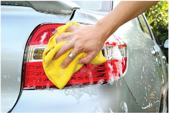 je auto met de hand wassen