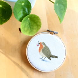 Round wall hanging 'Robin'