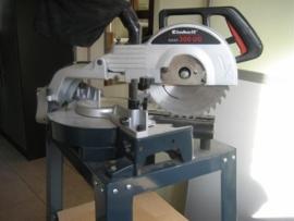 Zaagmachine-verstek op vaste tafel nieuw
