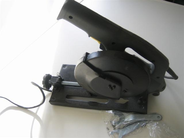 Afkort zaagmachine Linzo 610 watt nieuw NR.LZ201216