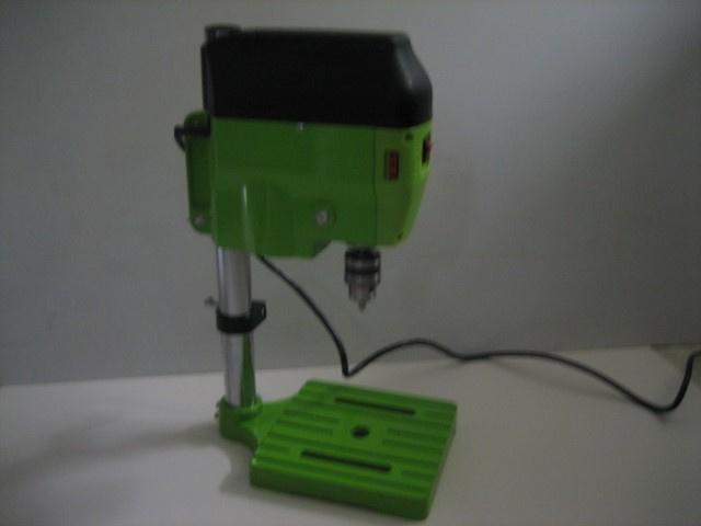 Tafel Mini Boormachine voor veel diversen werkzaamheden nieuw