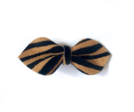 Big Bow Pin Zebra