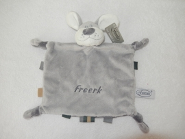 Knuffelhondje Freerk