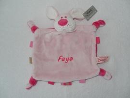 Knuffelhondje Faya