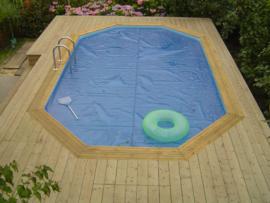 vlonder om zwembad