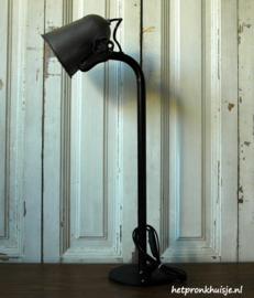 Stoere industriele lamp.