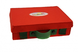 De kleine Rode Koffer met 10 prachtige vingerpopjes uit Li La Land