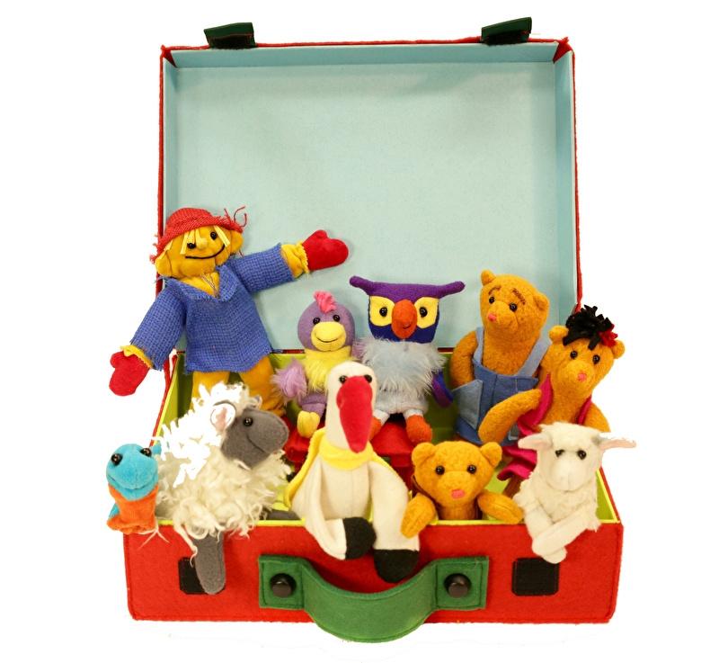 De kleine Rode Koffer met 10 prachtige vingerpopjes uit Li La Land, INCLUSIEF BOEK!