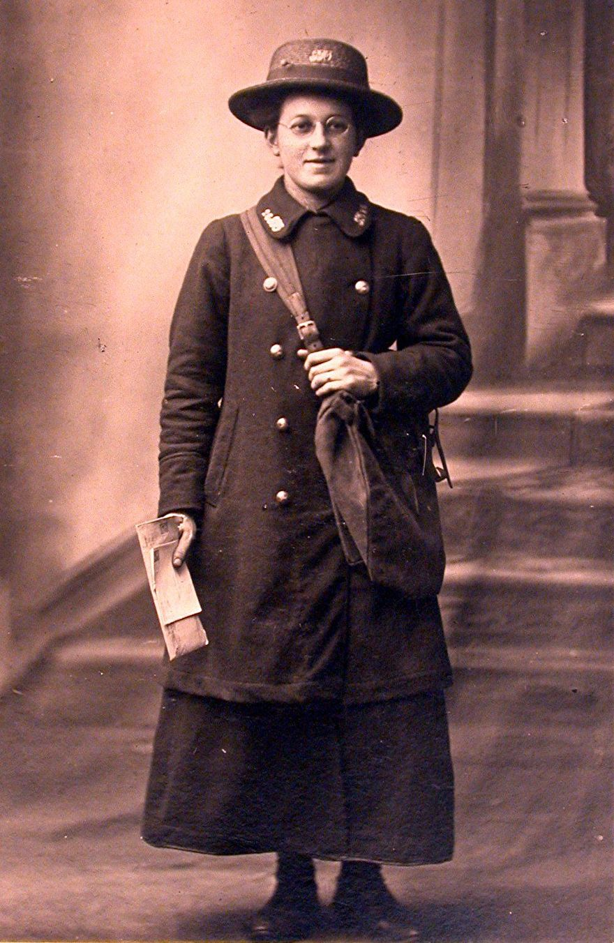 Foto: Pinterest, Britse postbode ca 1905.