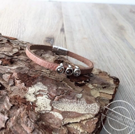 Leren armband roze  3 stenen