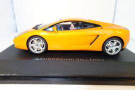 1:24  Lamborghini Murciélago oranje metallic   nr. 14032