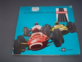 Kleuren catalogus  nr. 750   incl. sjabloon.  Duits
