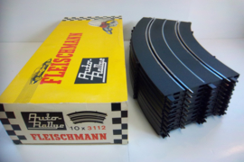 Fleischmann Auto-Rallye. Bocht 3112.   10 stuks in OVP geel