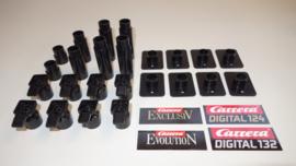 Carrera 24-delige zwarte pilarenset met zwenkbare kopstukjes.