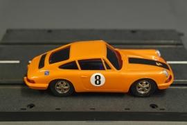 Porsche 911 nr. 40421.   decalnr. 8. Met rookglas