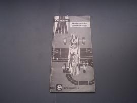 Zwart/wit handleiding met uitvouwblad. Duits