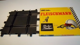 Fleischmann Auto-Rallye.  Kruising 3120.      in OVP geel