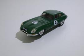 Scalextric Classic Lister Jaguar groen  C56