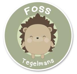 Naamstickers rond met een super leuke egel type Foss