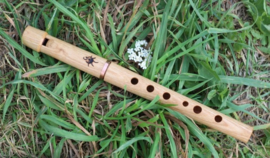 HarmonyFlute Whistle in D - Ashwood (Tunable)