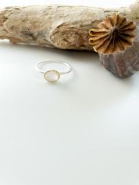 Ring: zilver/gold plated/witte maansteen