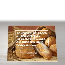 Snijplank met Mattheüs 4:4