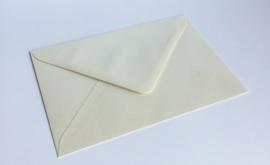 Omslagen A6 formaat - parelmoer crème (per 10stuks)