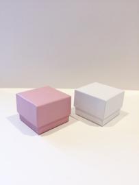 Doosje vierkant roze