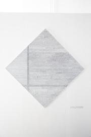 Mondriaans 'Ruitvormige compositie met twee lijnen' in het Nederlands