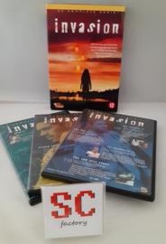 Invasion Seizoen 1 - Dvd box