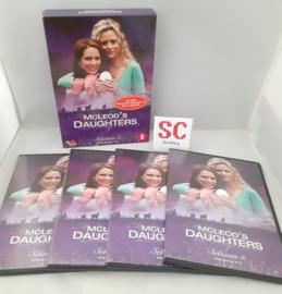 McLeod's Daughters Seizoen 5 Deel 1 (Afl. 1-16) - Dvd box