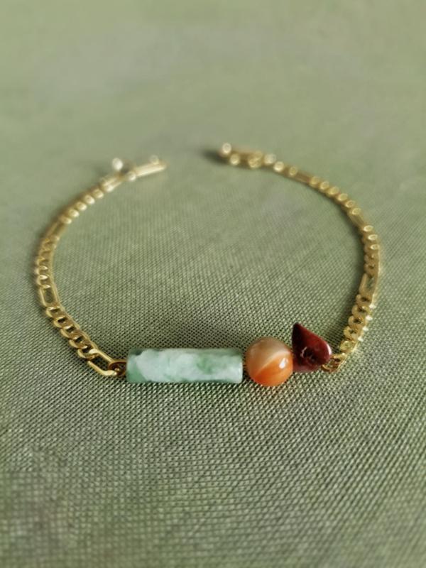 Izel                -  jaspis, schelp en jade armband