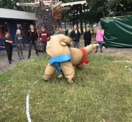 Sumo worstelen voor volwassenen