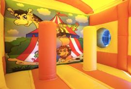 5-hoek springkussen circus huren met glijbaan