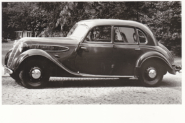 326 Sedan 6 cyl. 50 hp, DIN A6-size photo postcard, 1936-40, 4 languages