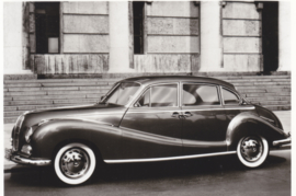 502 V8 Limousine, DIN A6-size photo postcard, 1956-58, 4 languages