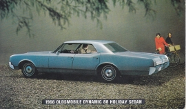 Dynamic 88 Holiday Sedan, US postcard, standard size, 1966,  # 109