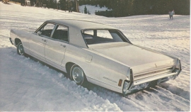 Montclair 4-Door Sedan, US postcard, standard size, 1968