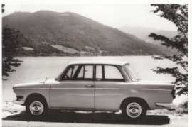 700 LS Luxus Sedan 2 cyl., DIN A6-size photo postcard, 1961-65, 4 languages