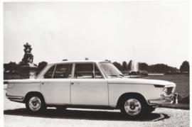 1800 TI Sedan, DIN A6-size photo postcard, 1964-65, 4 languages