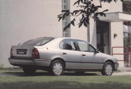 Primera Hatchback, A6-size postcard, Dutch, about 1990